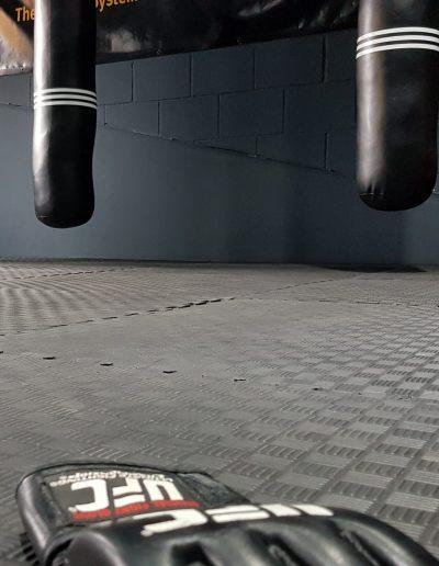 UFC HAndschuh Boden